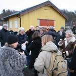 Ett gäng glada kolonister värmde sig med picnickorgar och midvinterträff på Stora Planen 21/12 -08