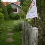 Ett 20-tal kolonister i Slottsskogskolonien valde att visa sina trädgårdar för intresserade under Tusen trädgårdar-dagen den 8 augusti 2010